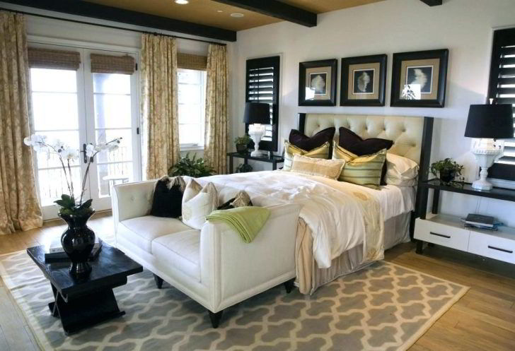 romantic bedroom ideas for her with rose petals anniversary colors master bedrooms decorating astounding 728x497