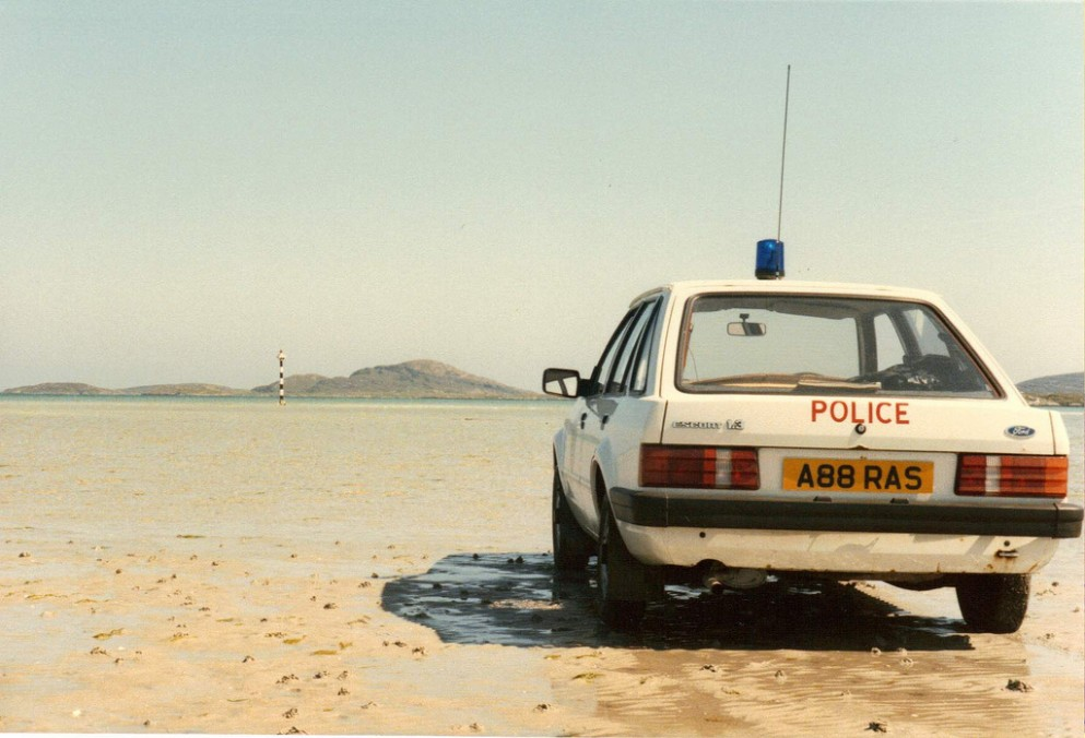 1517541753-northern-constabulary-ford-escort-9-barra-airport-car-shed-covers.jpg