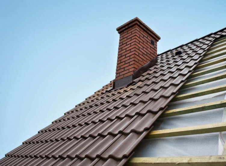 1517613079-pros-metal-roof.jpg