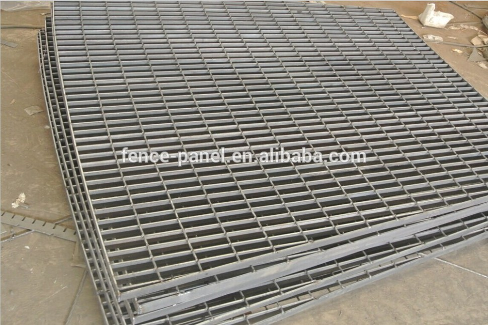 1517862117-drainage-steel-drainage-ditch-gutter-grating-driveway-metal-driveway-covers.jpg