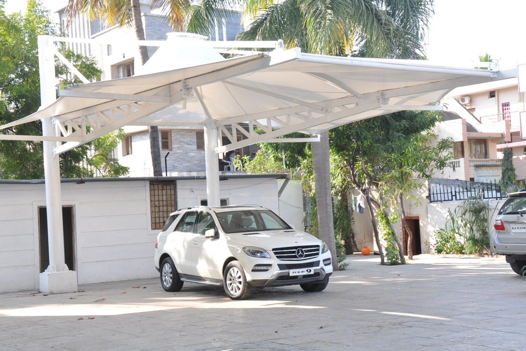 1517960834-agrya-structures-concept-commence-complete-car-park-canopy-design.jpg