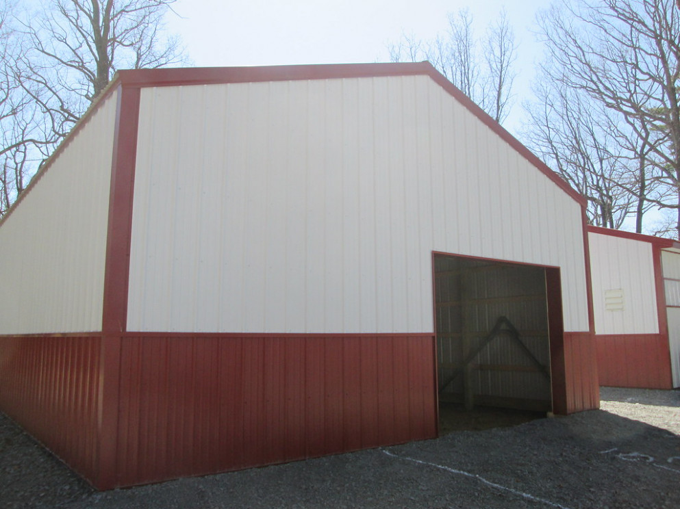 "24' W X 32' L X 10' 7"" H (ID# 444) Gable 2 Carport Roof Materials"