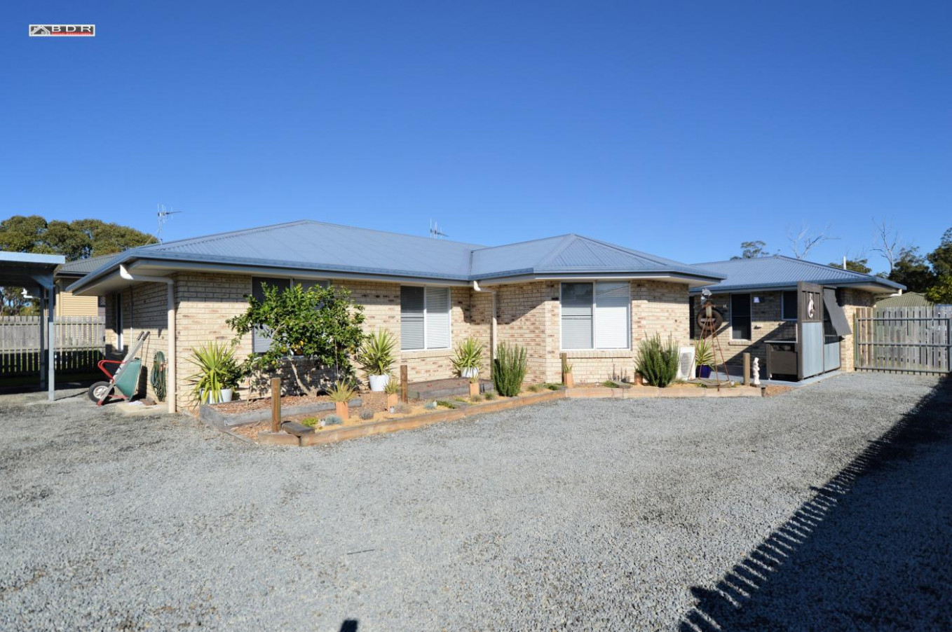 8 Lakeside Drive, Burrum Heads For Sale As Of 8 Jun 8 Garage With Carport On Side