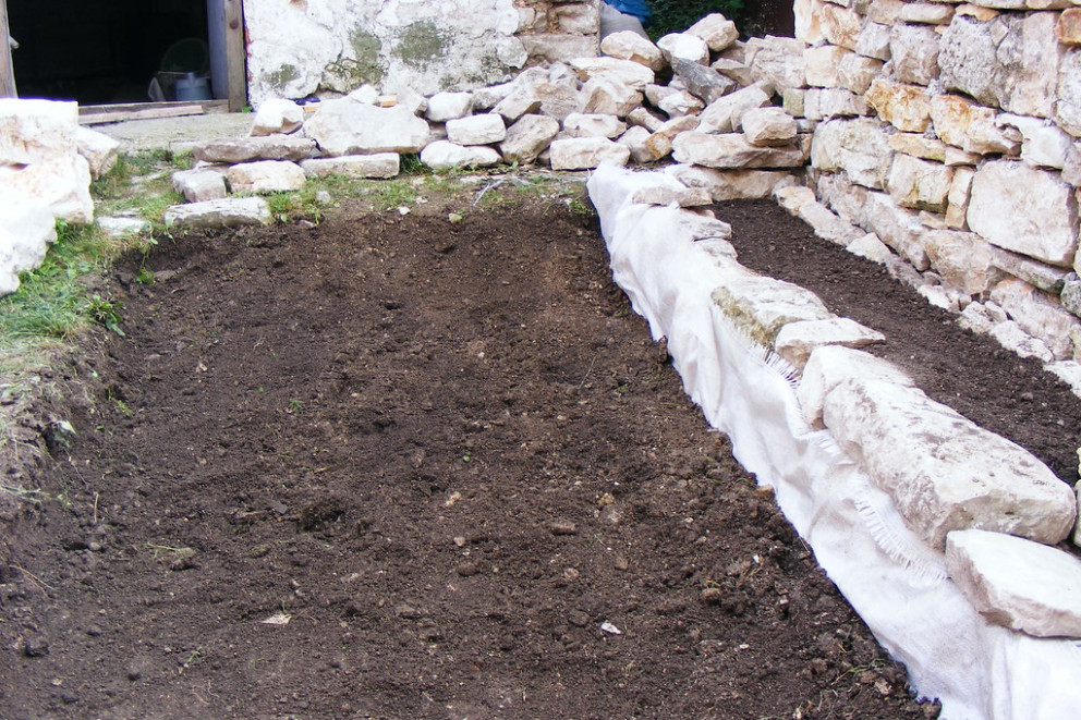 A Shingle Walkway From Garden To Old House Carports Ideas Near Me