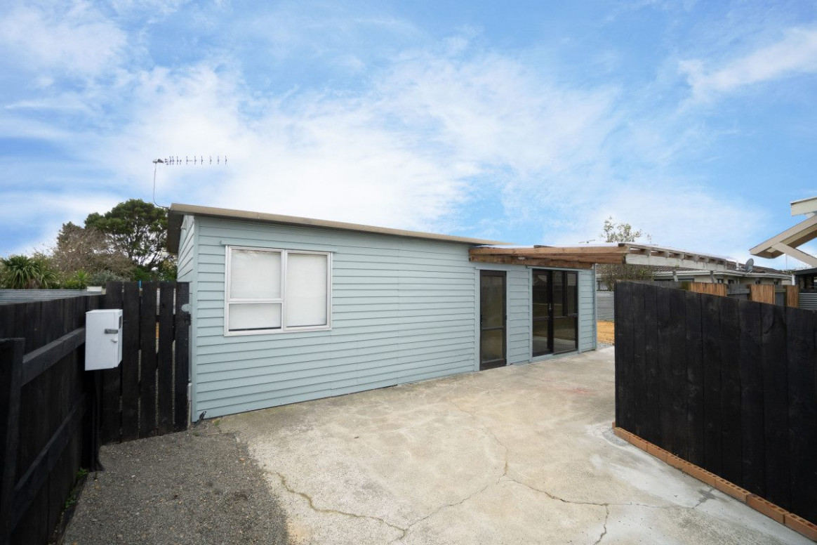 Comfortable Converted Garage! | Trade Me Property Convert Carport To Garage Nz