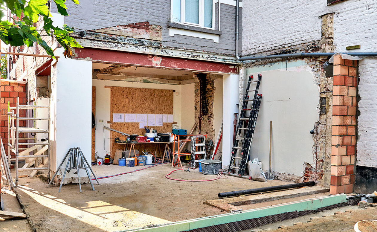 Converting A Garage Into A Room In NZ | Refresh Renovations ..