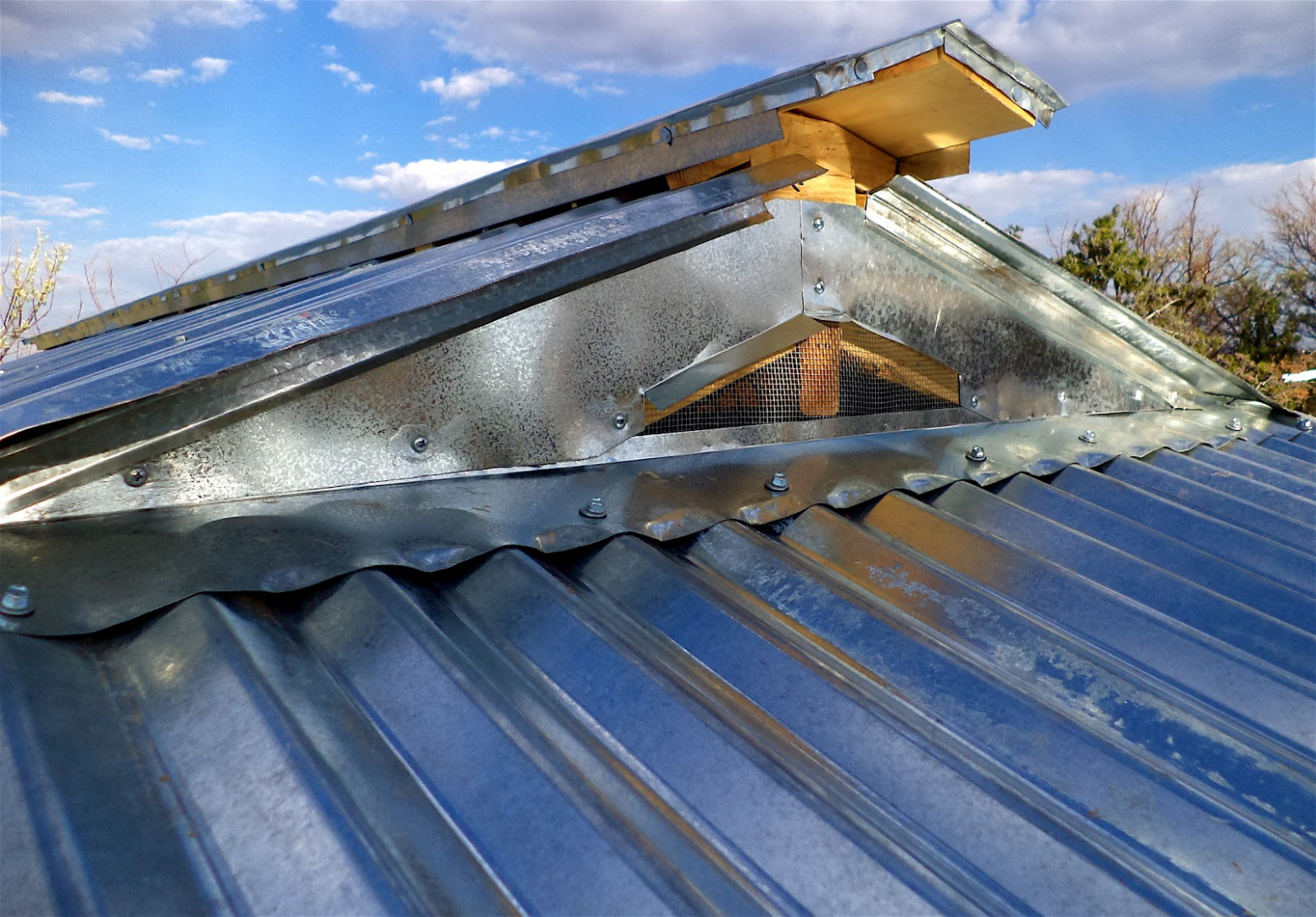 Corrugated & Ribbed Metal Roofing Cost, Pros & Cons – Home ..