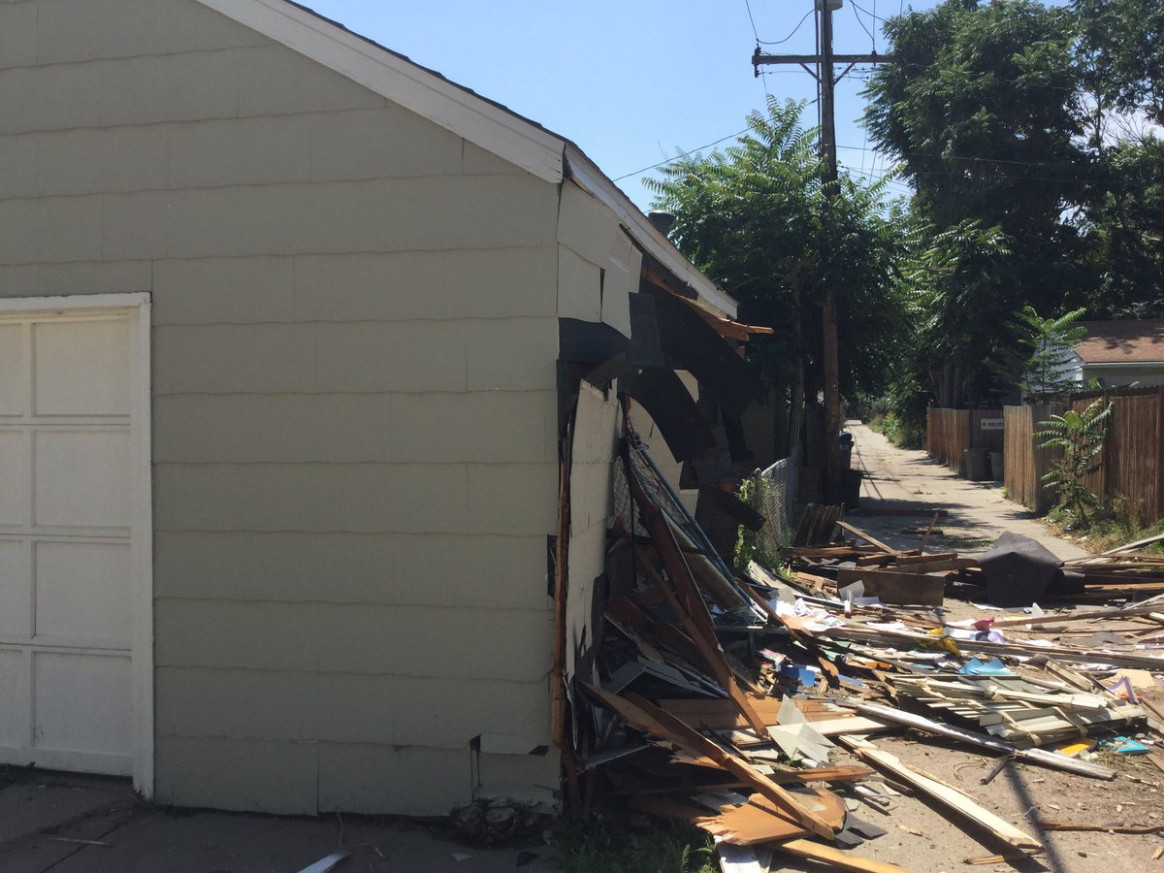 DPS Maintenance Van Crashes Through 2 Garages | FOX31 Denver Van Carport Garage Maken