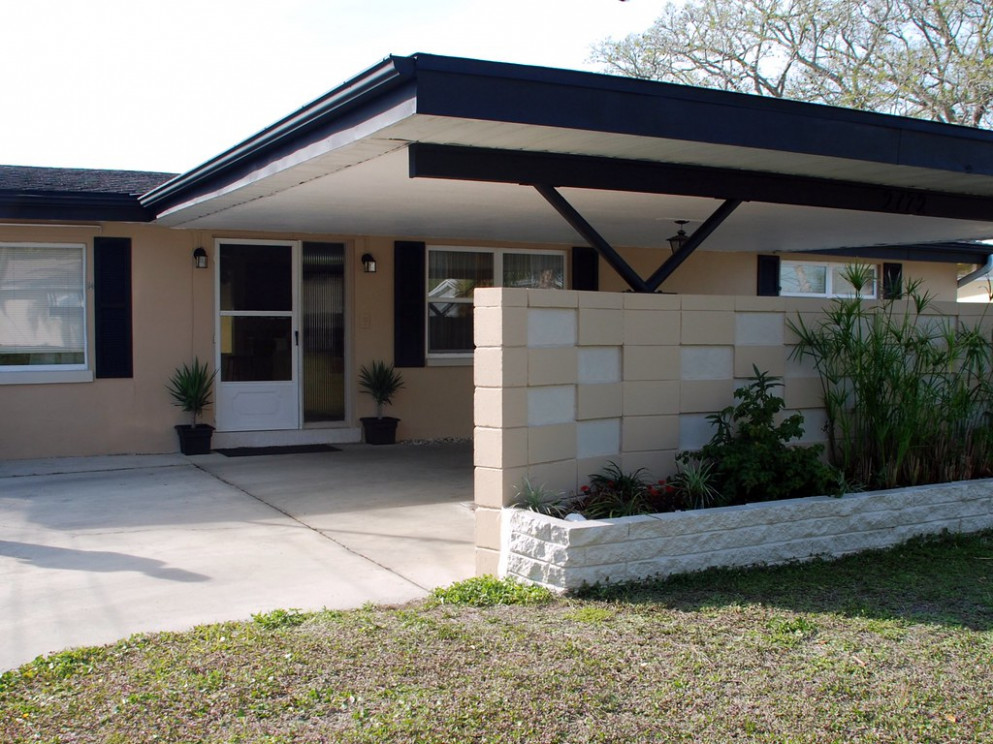 Front Of The House Is Painted Carports Roof Design