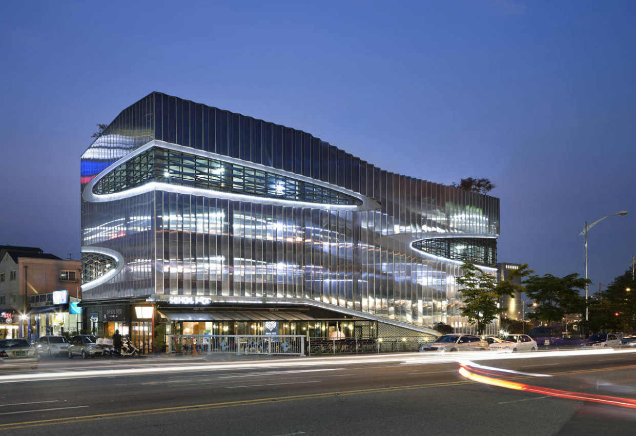 Herma Parking Building / JOHO Architecture | ArchDaily Carport Parking Ramp