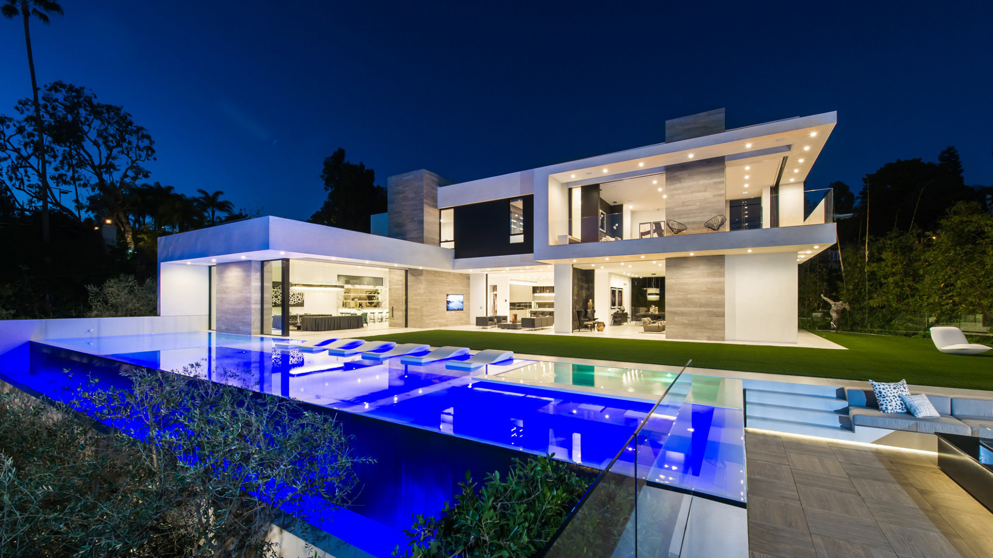 Home Of The Day: Blockbuster Contemporary In The 90210 ..