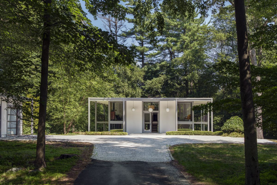 Marvelous Midcentury Home Outside NYC Wants $1