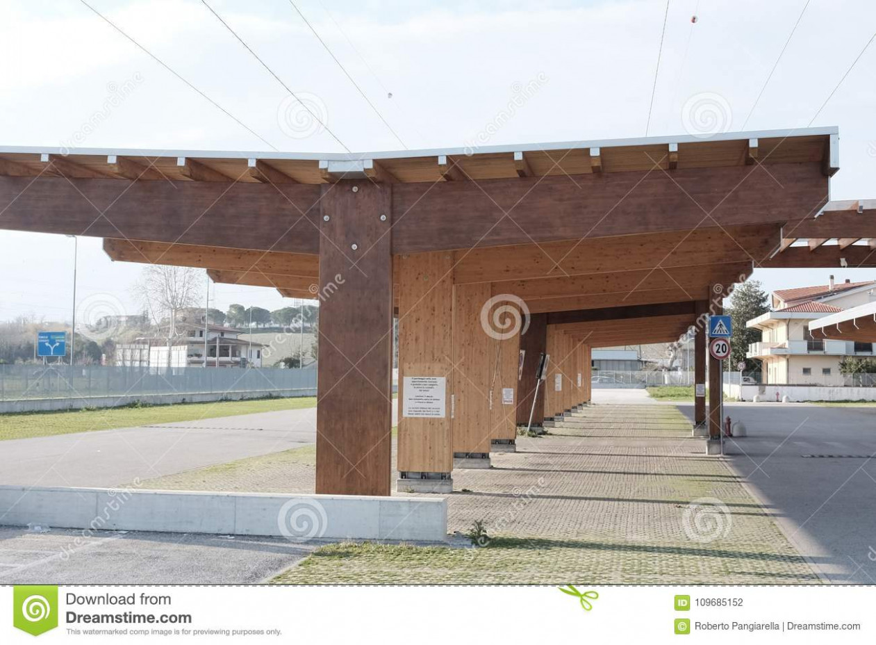 Modern Wooden Carport Stock Photo. Image Of Modern, Wood ..