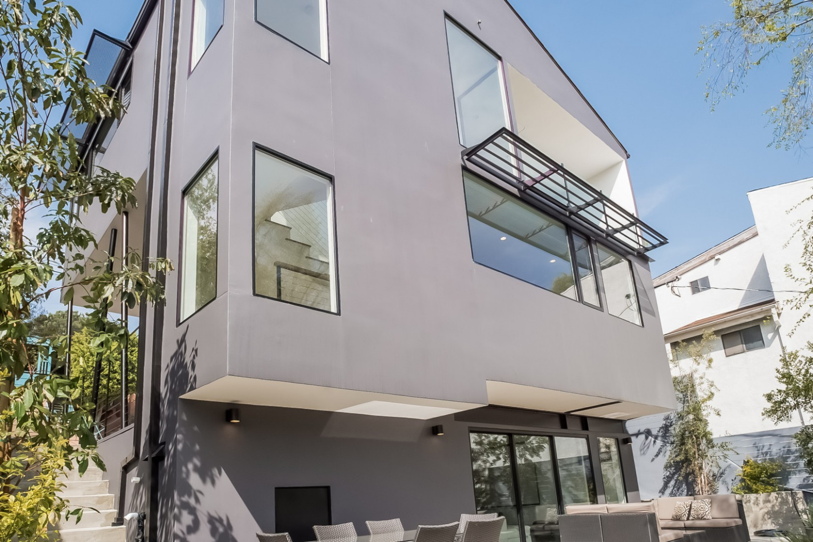 NCIS: Los Angeles' actor Barrett Foa snags a modern home in ...