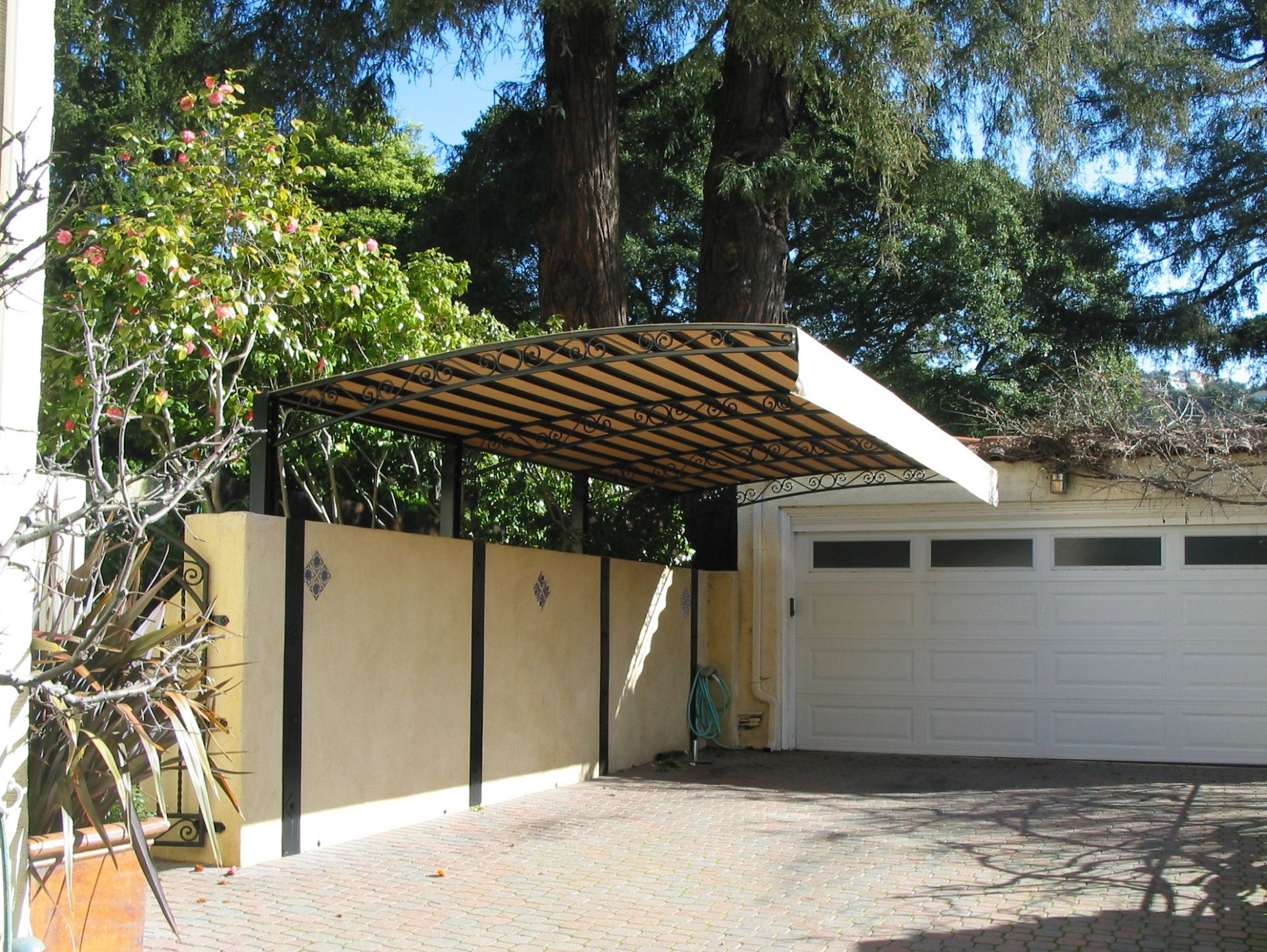 One sided overhang carport | Carport | Privacy fence designs ...