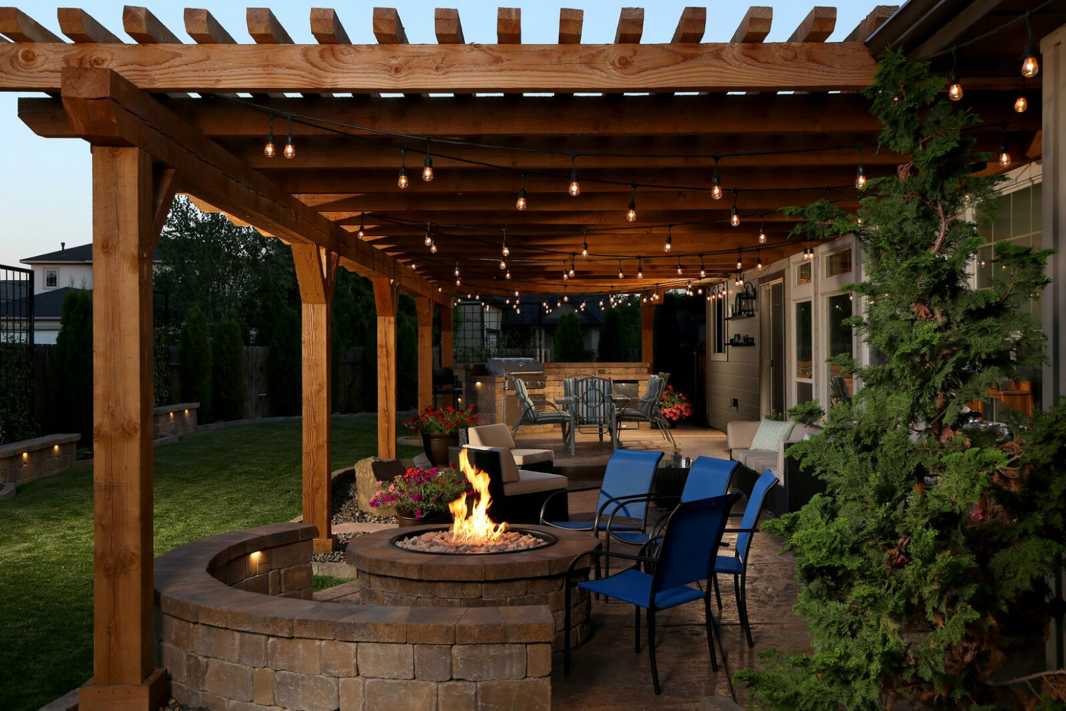 Outdoor Living Space Has Everything But The Kitchen Sink ..