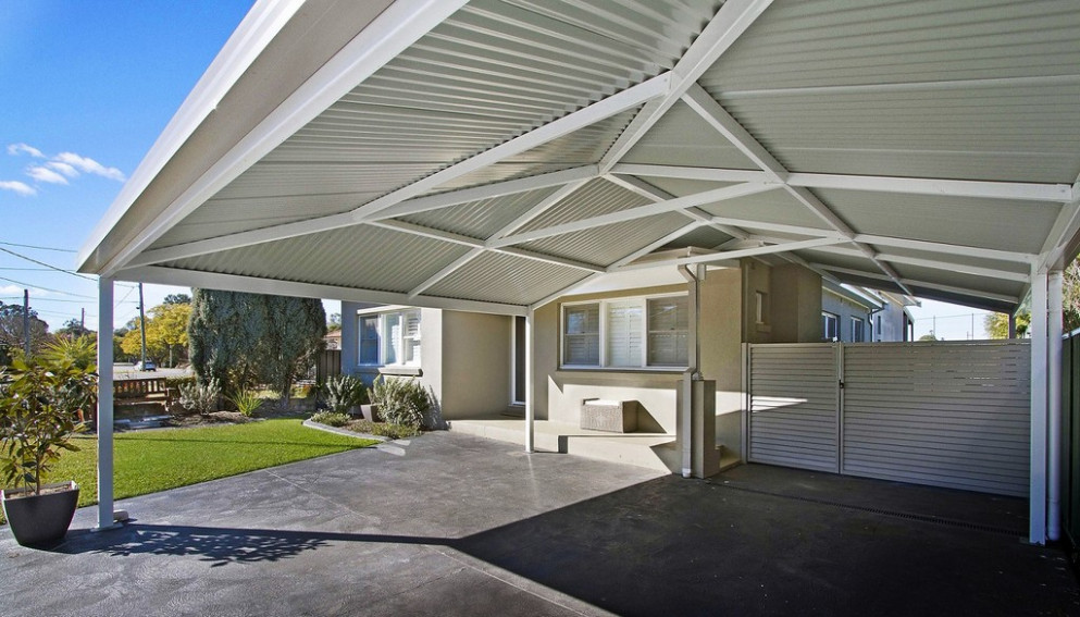 Patio Covered Flat Roof Lean Skillion House With Balcony ...