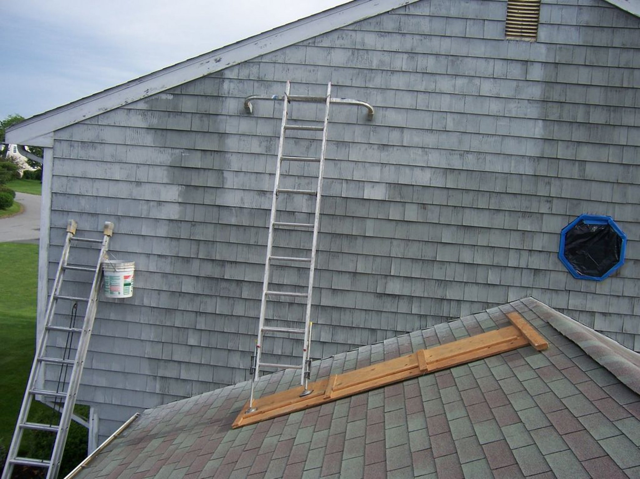 Safe Scaffolding For Painting Above An Attached Garage.: 9 ..