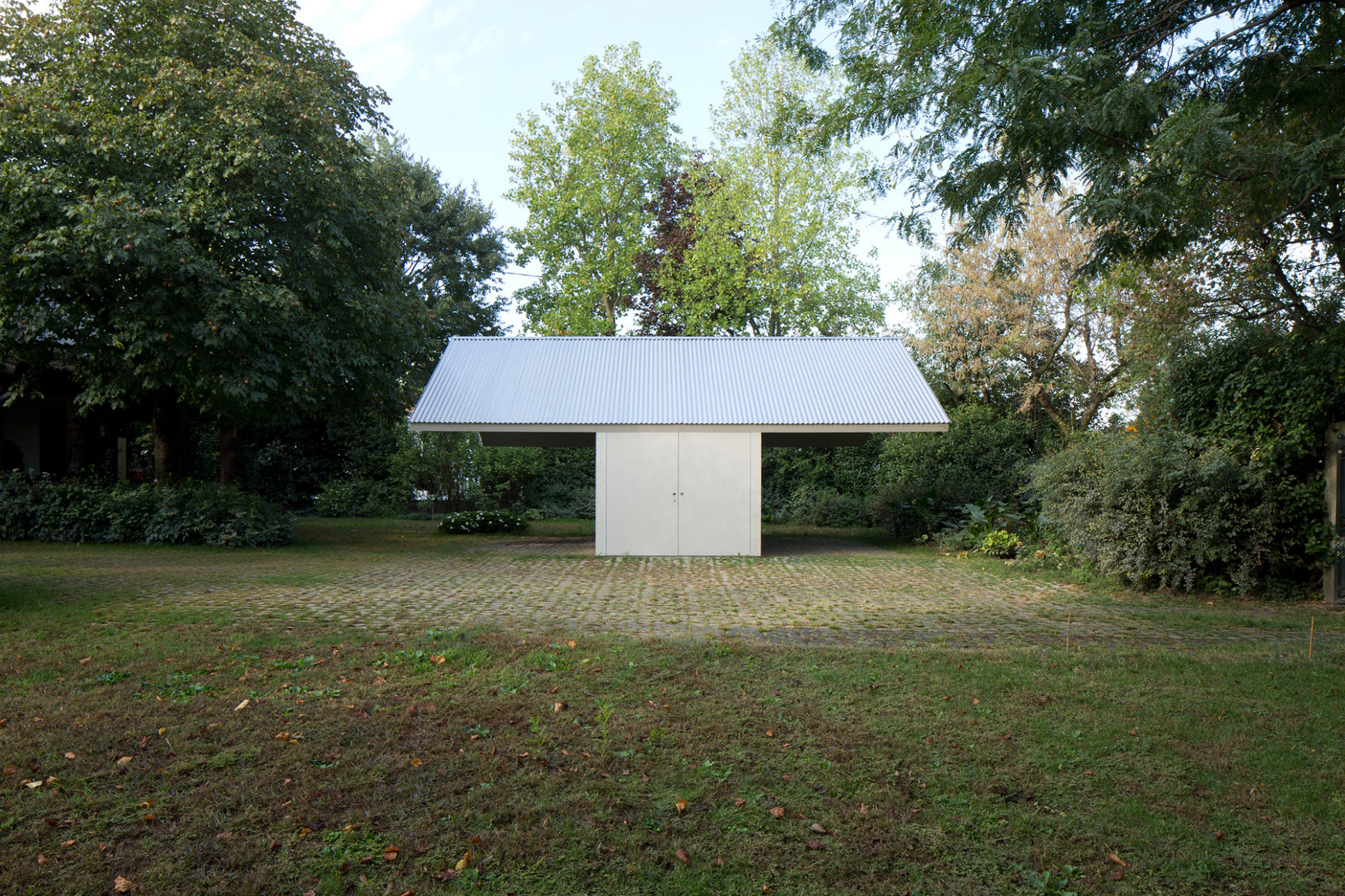 Small, But Exquisite: Garage And Workshop By Studiospazio ..