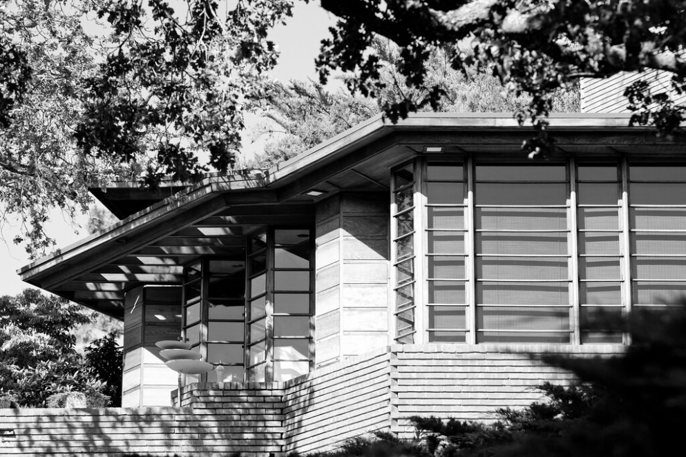So Long, Frank Lloyd Wright Carports With Tiled Roof