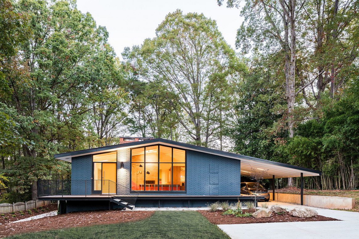 This Renovated Mid Century House Features A Stunning ..