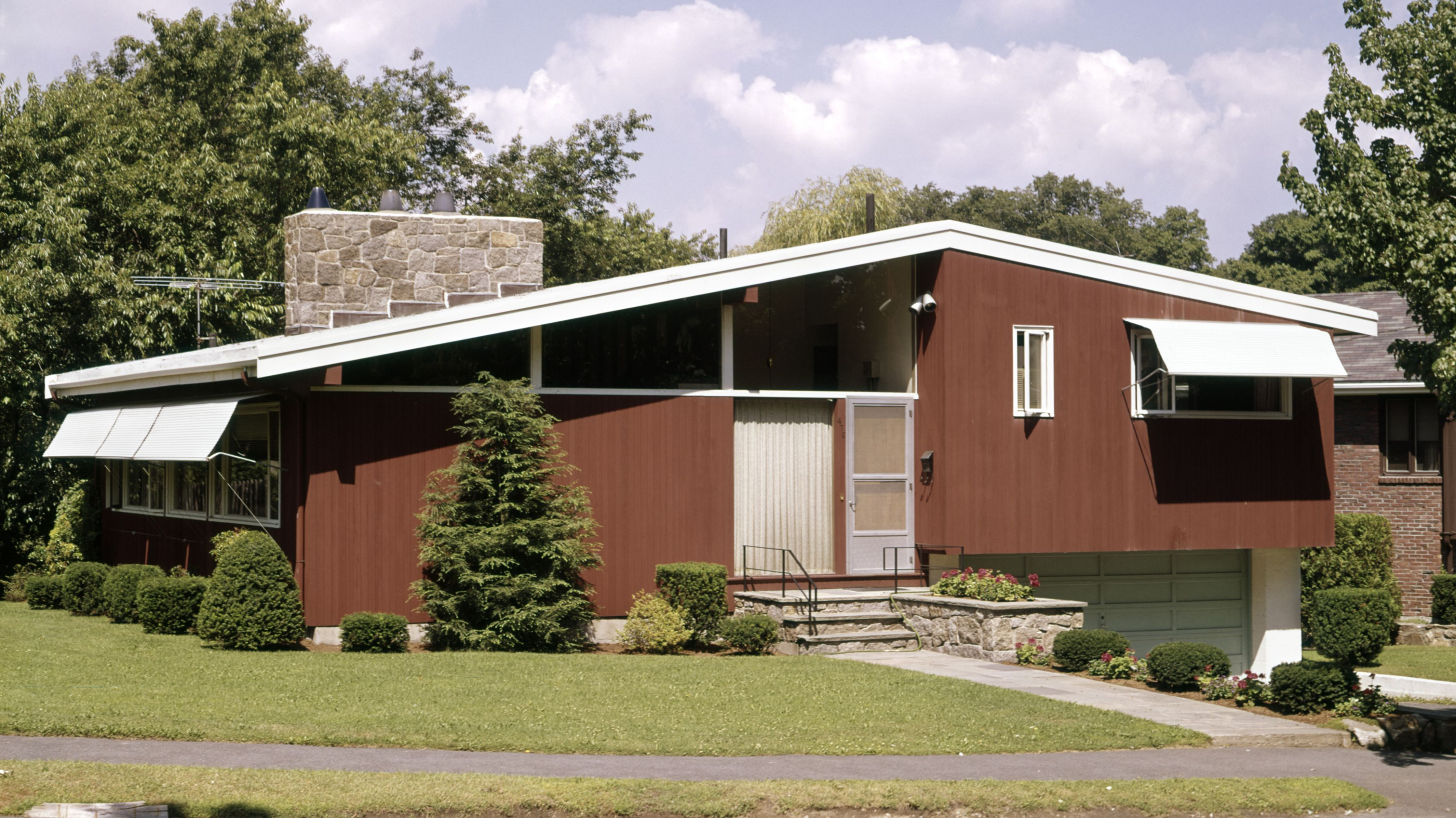 Tips For Remodeling Ranch Style Rambler Homes Mid Century Modern House With Carport