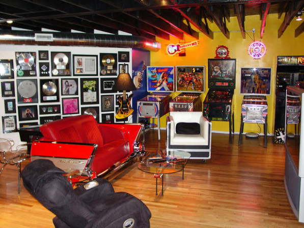Turning Houses Into Homes: Dude Tastic Man Caves Carports Decorating Activities